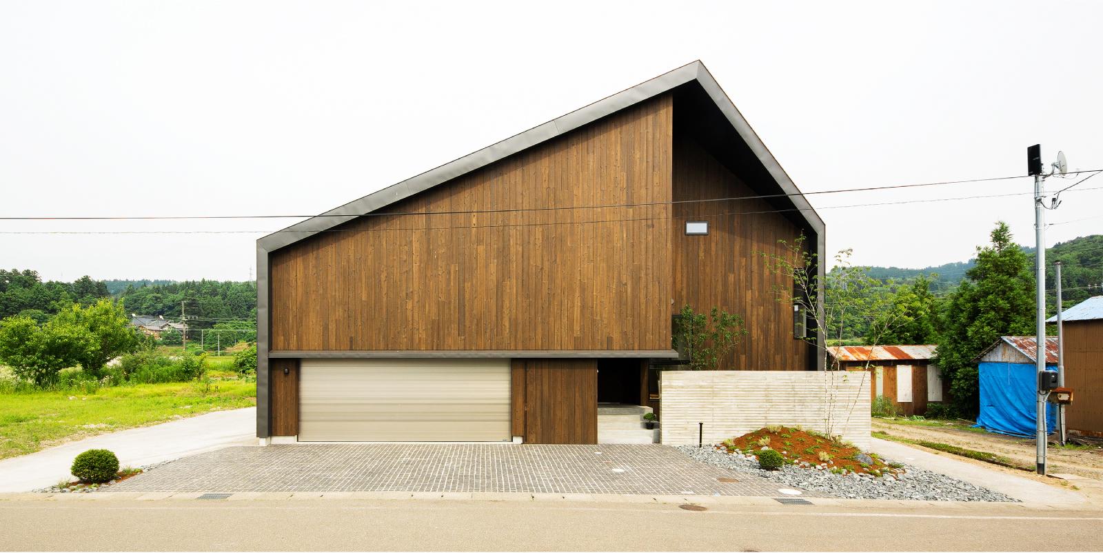 長岡市峰の家、外観。