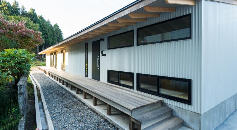 長岡市Sk3_houseは26mのアプローチがあります。