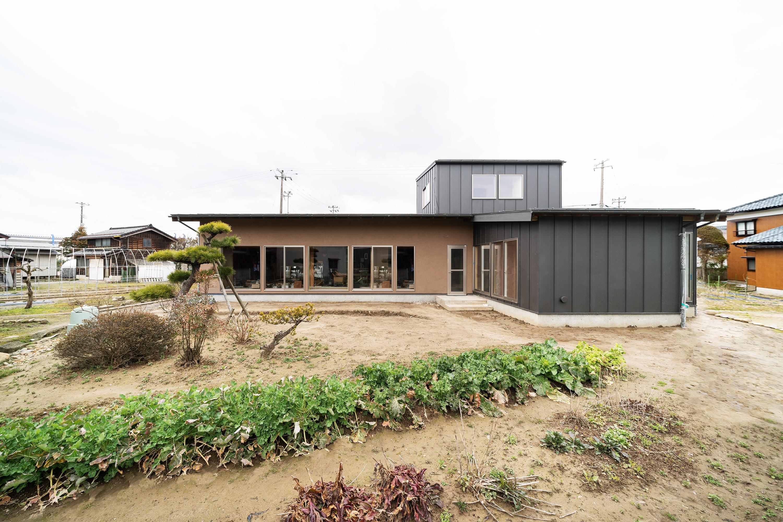 燕市小池オープンハウス、ほぼ平屋の3世帯住居。。 10:00〜17:00